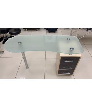 Стол маникюрный со стеклянной столешницей